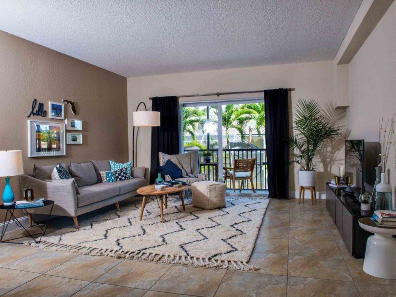 TGM Oceana Apartments Living Room